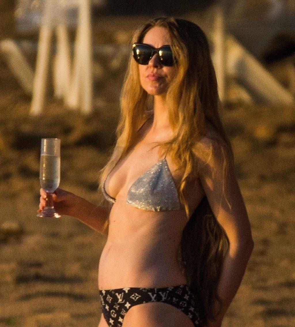 Zoe Salmon Sexy (47 Photos)