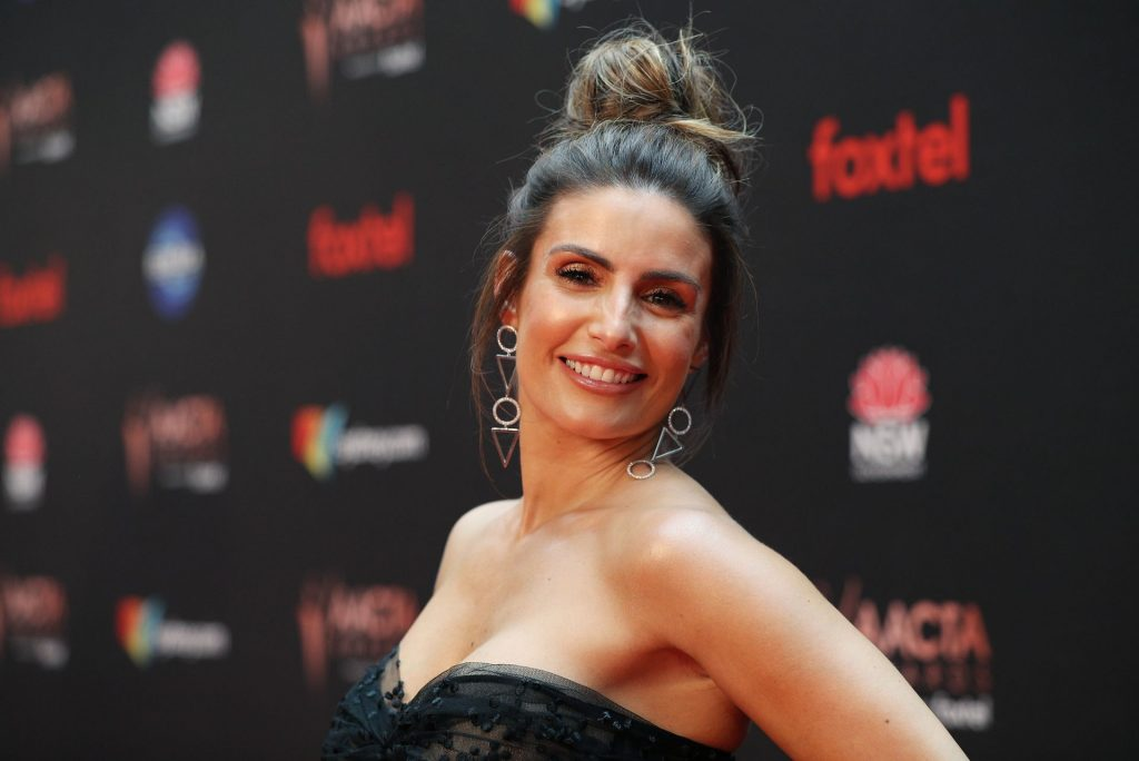 Ada Nicodemou Sexy (25 Photos)