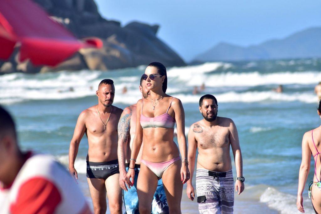 Alessandra Ambrosio Sexy (187 Photos)