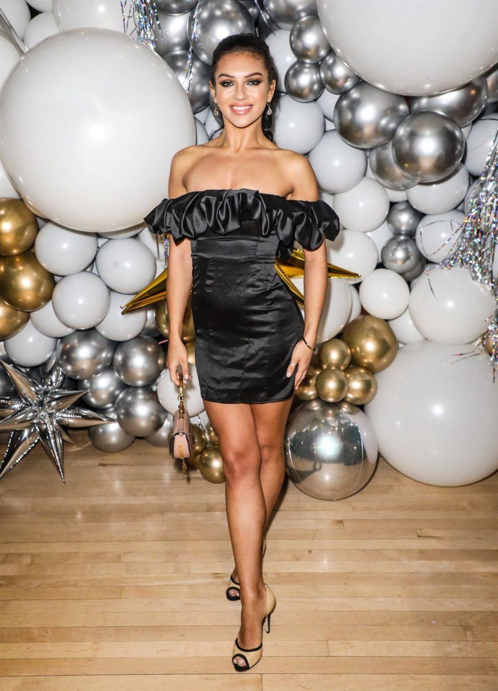 Alexandra Cane Sexy (16 Photos)