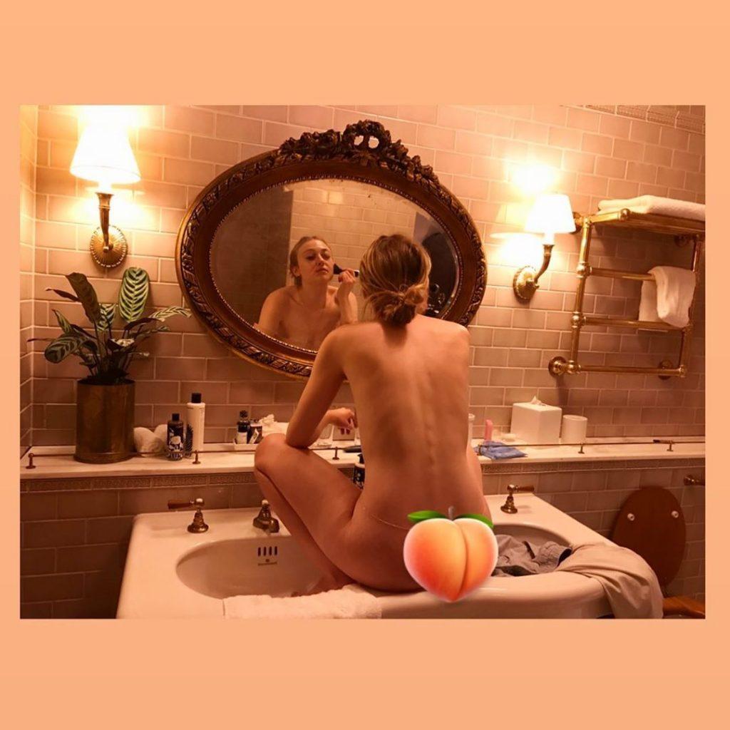 Dakota Fanning Nude (1 Photo)