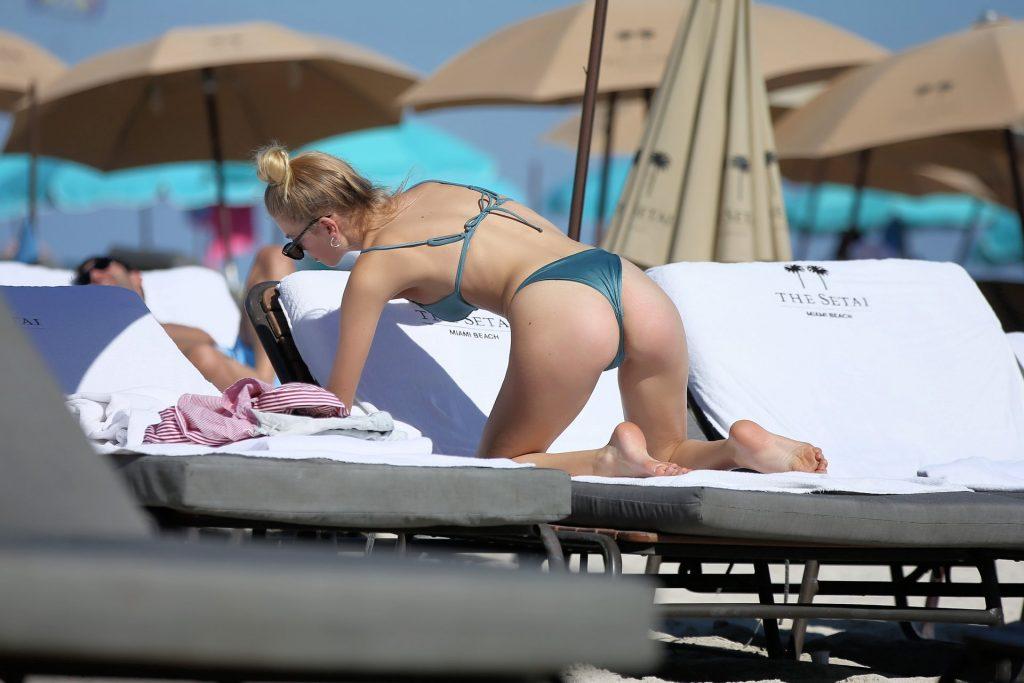 Daphne Groeneveld Sexy (7 Photos)