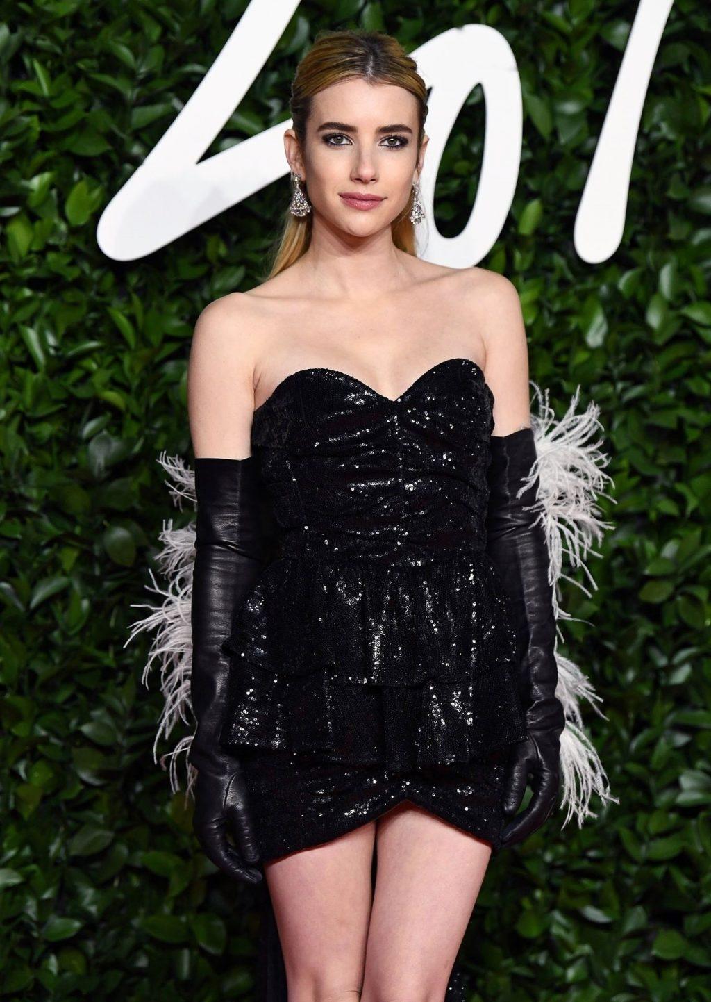 Emma Roberts Sexy (13 Photos)