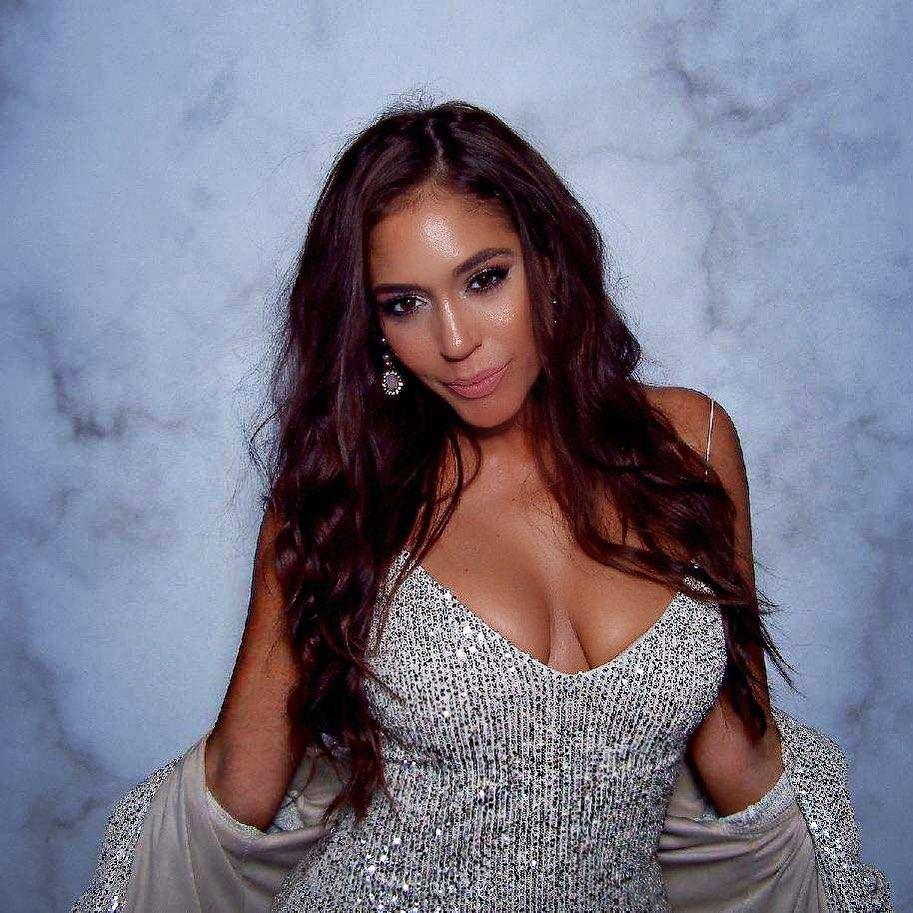 Erica Page Sexy (20 Photos)