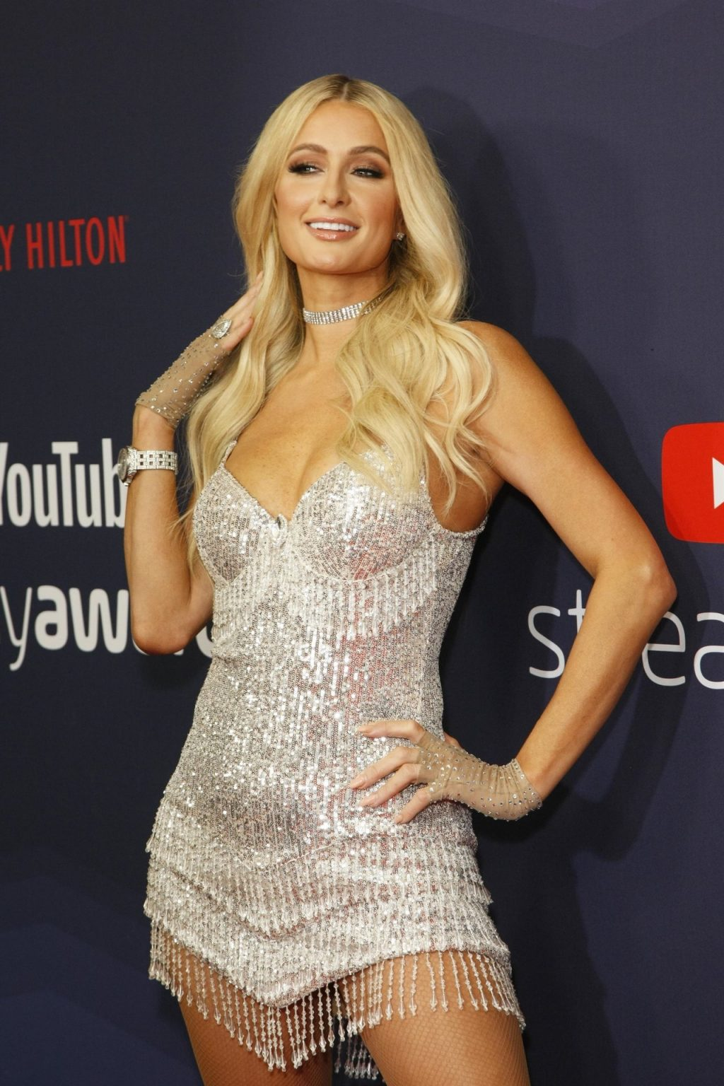 Paris Hilton Sexy (62 Photos + Video)