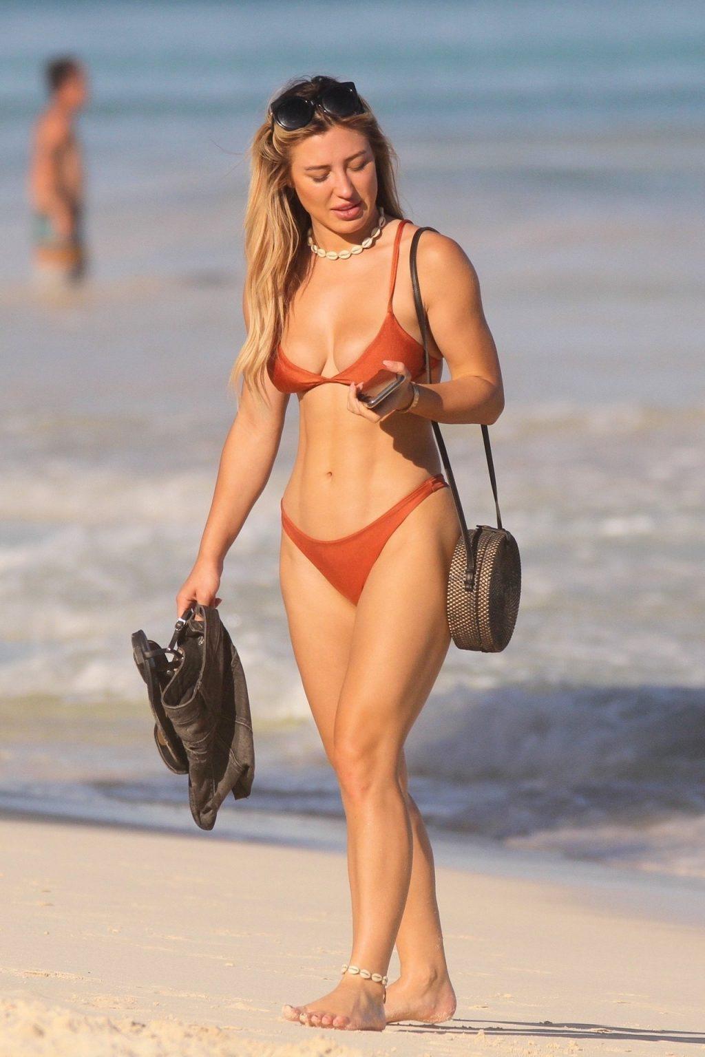 Stefanie Knight Sexy (42 Photos)