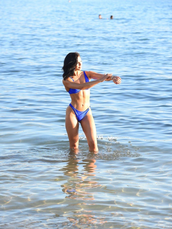 Alexandra Cane Sexy (21 Photos + Video)