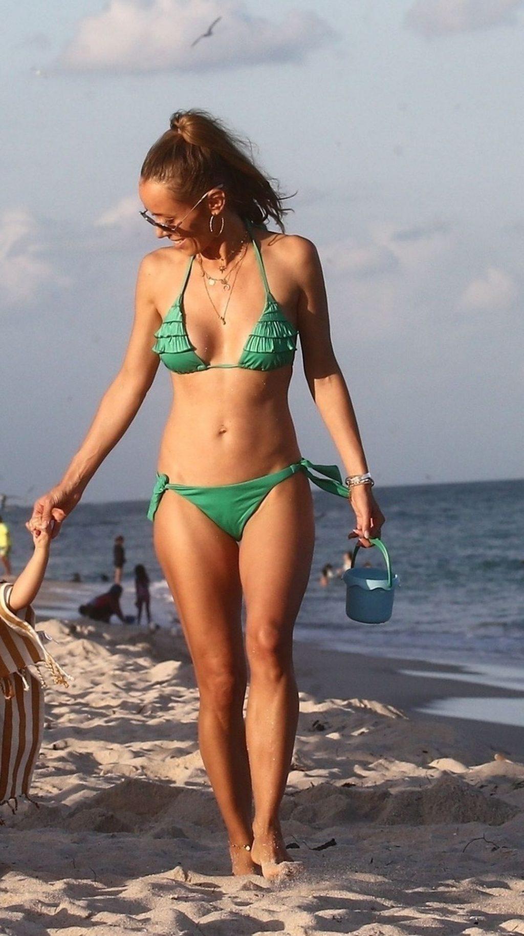 Annemarie Carpendale Sexy (30 Photos)