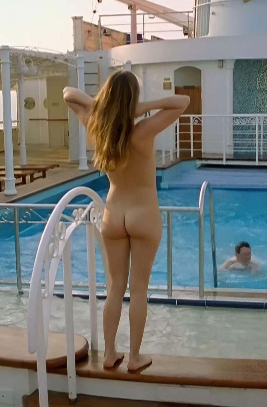 Birthe Wolter Nude & Sexy (18 Photos)