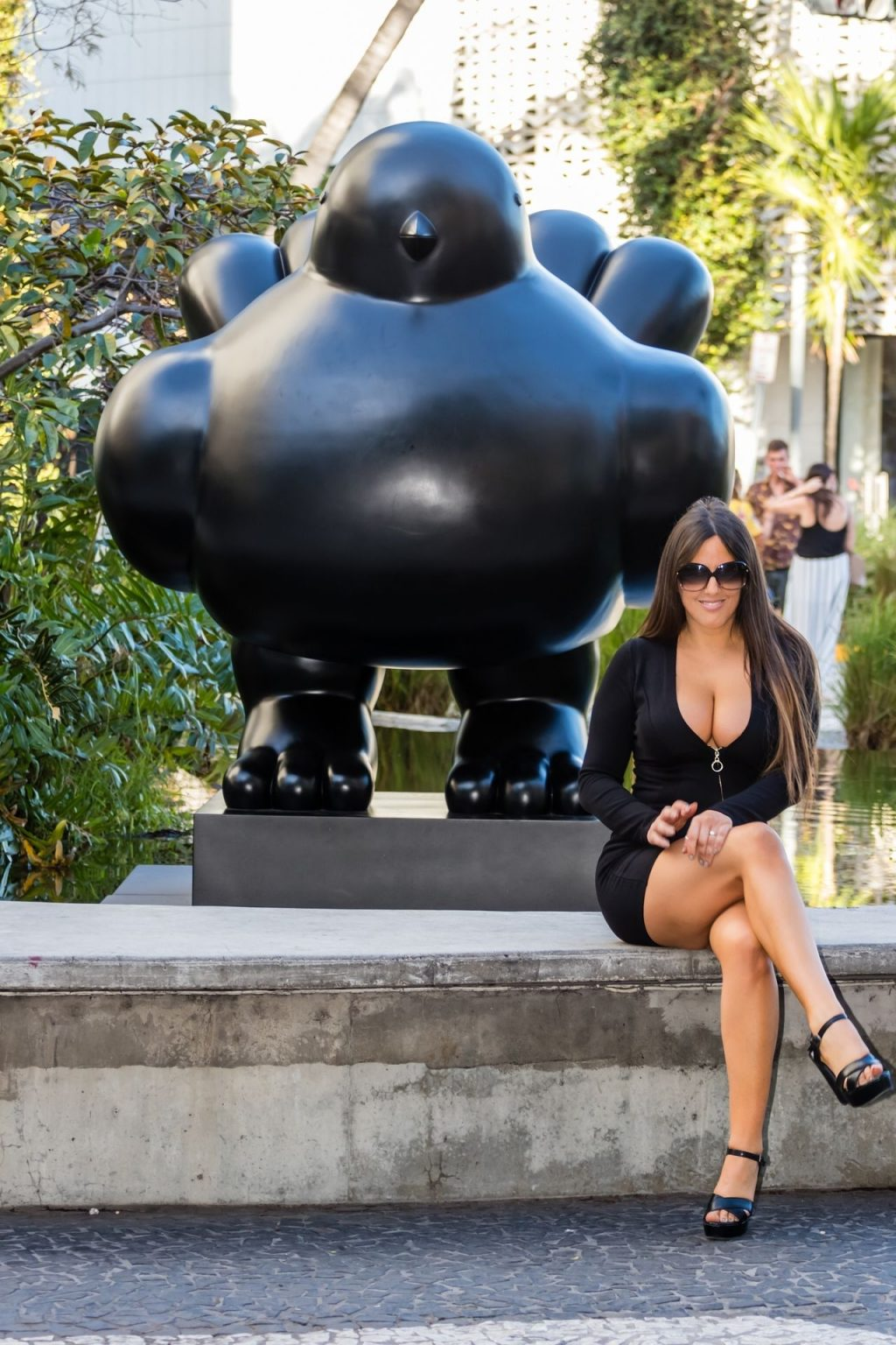 Claudia Romani Shows Cleavage in a Little Black Dress (20 Photos)