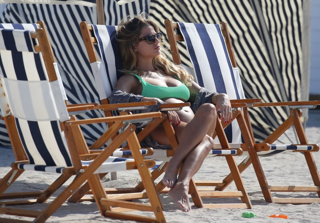 Cristina Marino Displays Her Boobs in a Green Bikini (34 Photos)