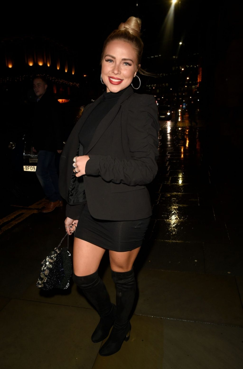 Gabby Allen Pictured Braless in Manchester (26 Photos)