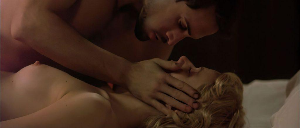 Gwyneth Paltrow Nude (20 Photos)