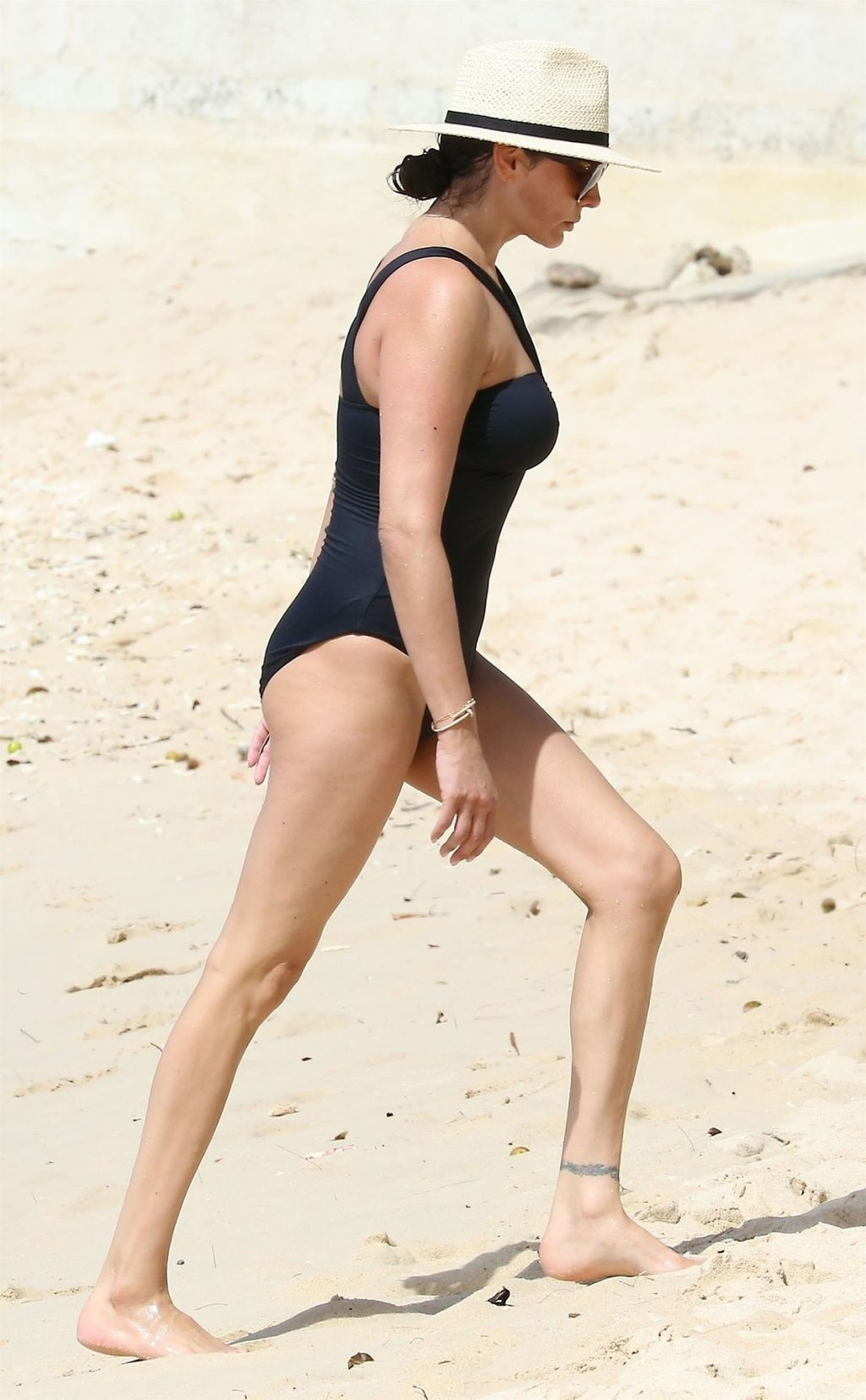Lauren Silverman Hot (48 Photos)
