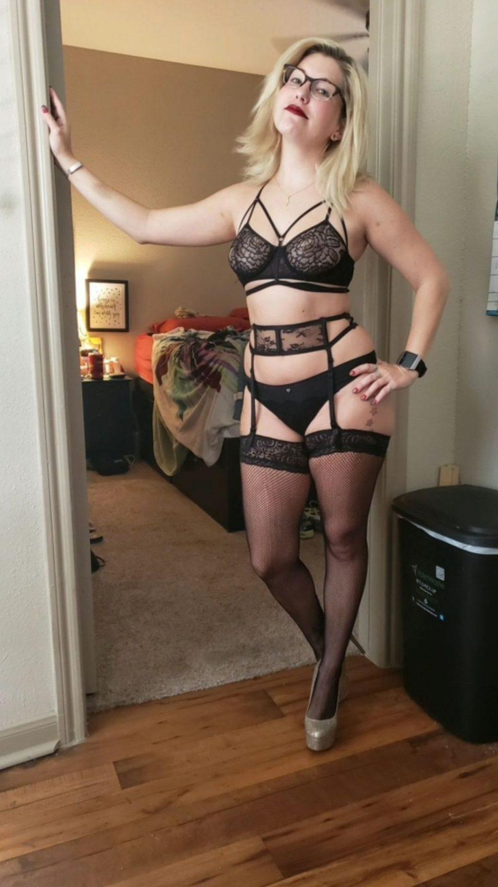 Miss Platinum Petite Nude Leaked (18 Photos)