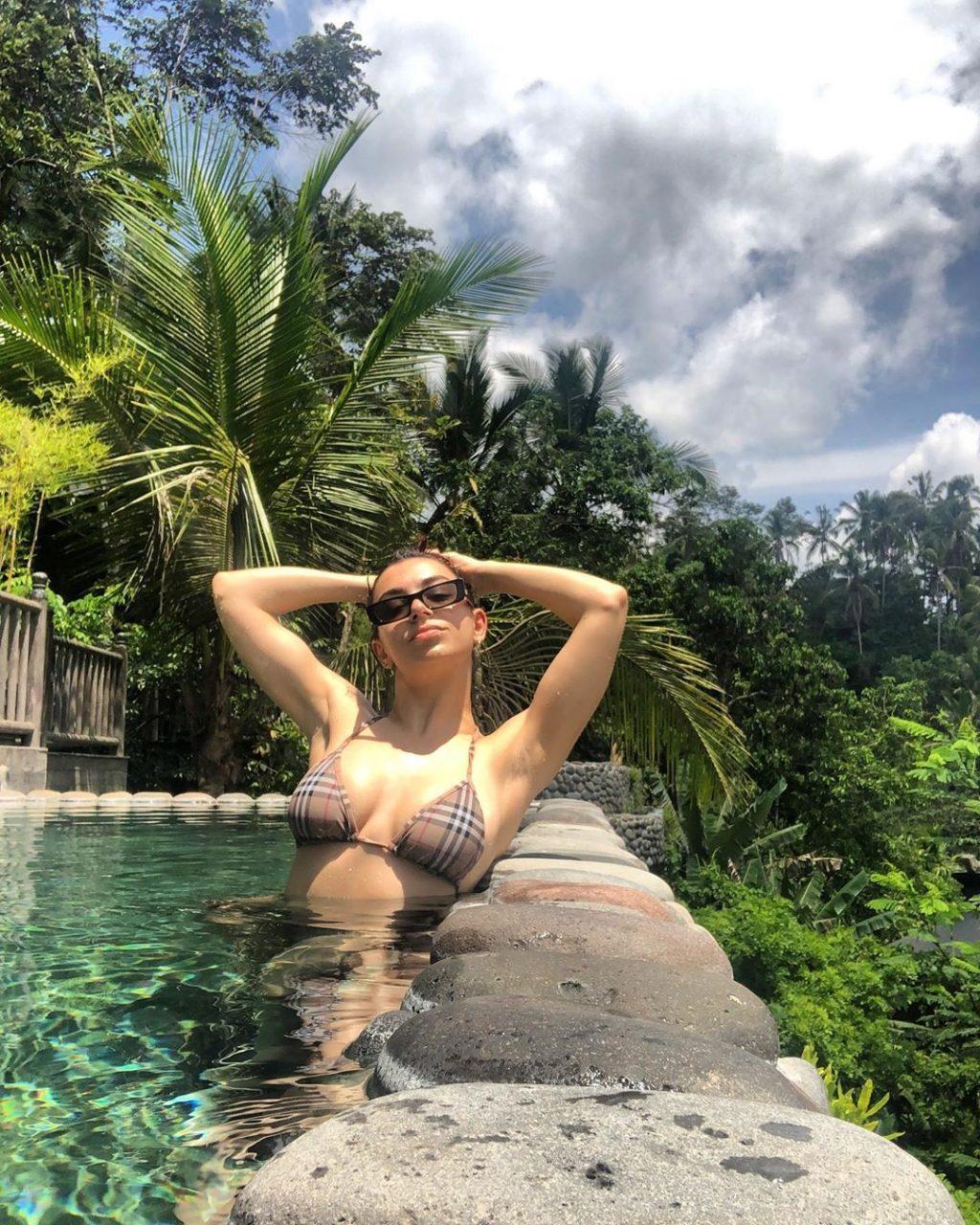 Charli XCX's Tits on Instagram (12 Pics + GIFs)