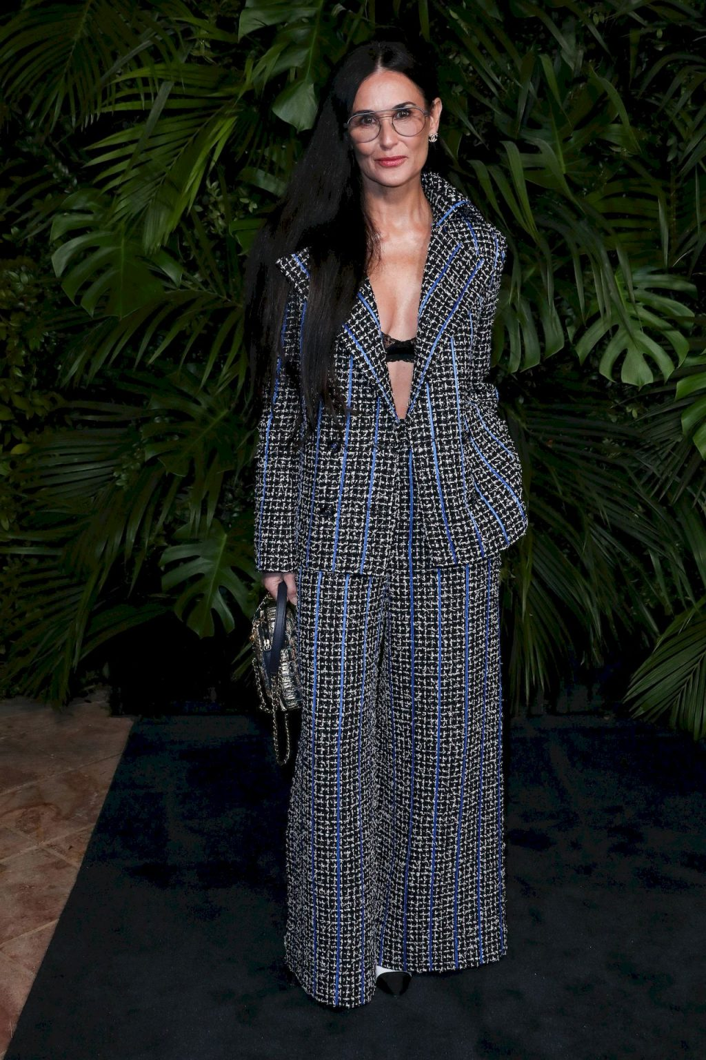 Demi Moore Flashes Her Underwear at the Party (3 Photos)