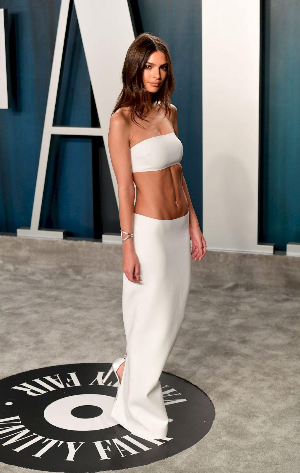 Emily Ratajkowski Looks Too Thin at the Vanity Fair Oscar Party (88 Photos + GIF & Video)