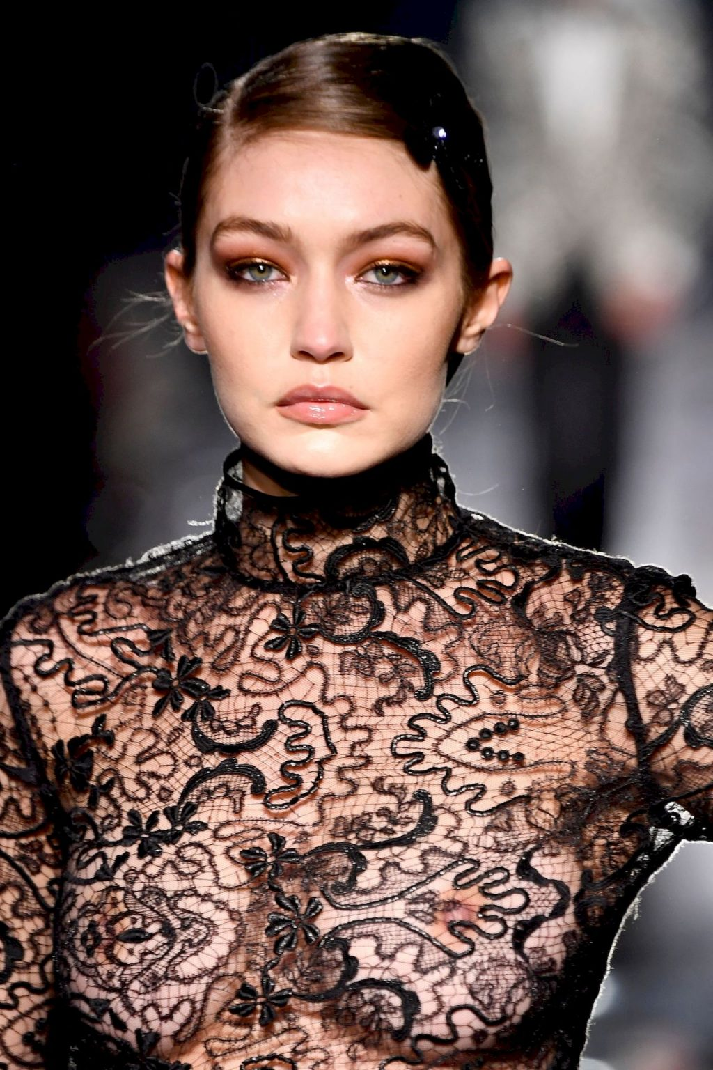 Gigi Hadid Flaunts Her Nude Tits at the Fashion Show (22 Photos + Video)