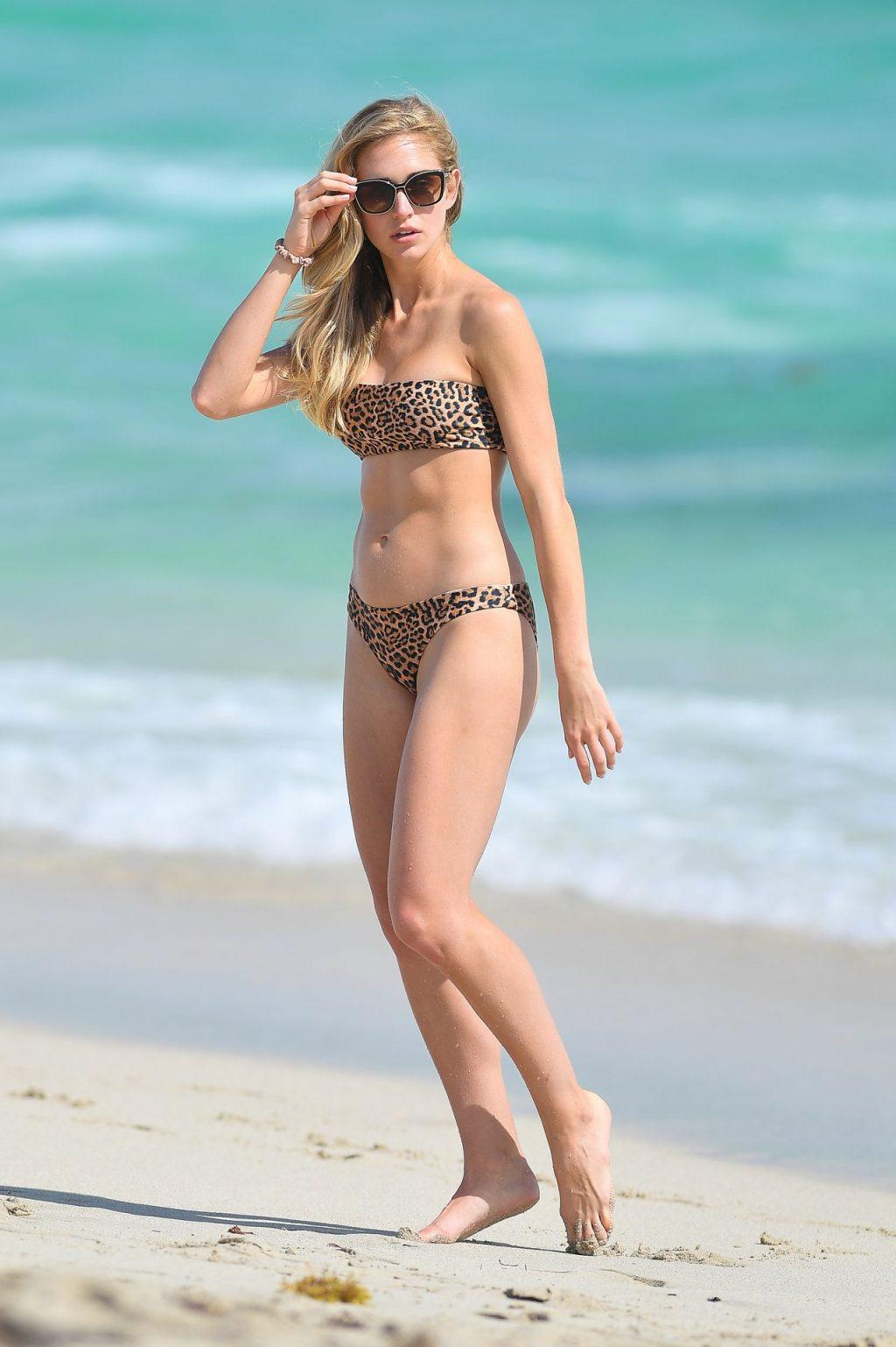 Gilda Joelle Osborn Wears a Leopard Print Bikini (23 Photos)