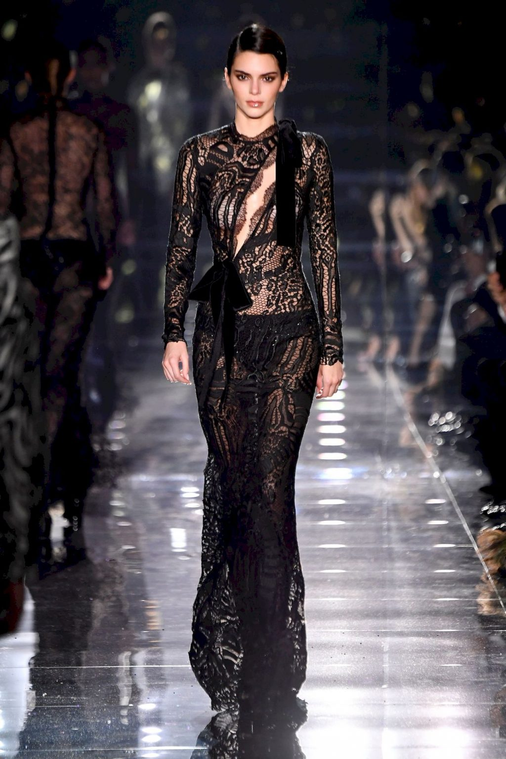 Kendall Jenner Walks the Runway During the Tom Ford Show (13 Photos + Video)