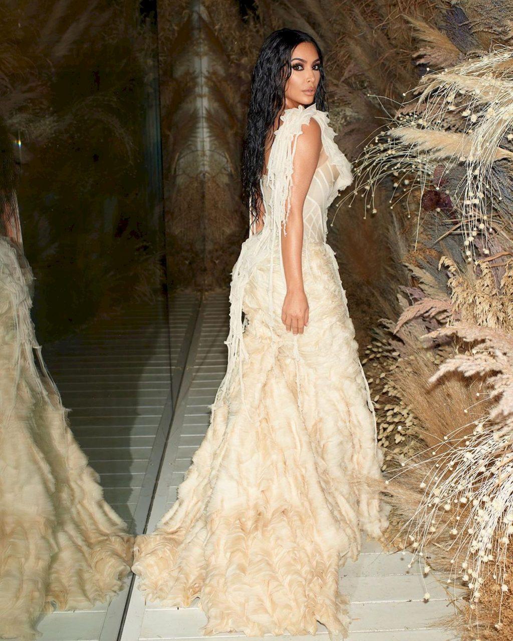 Kim Kardashian Looks Hot in a See-Through Dress at the 2020 Vanity Fair Oscar Party (17 Photos)