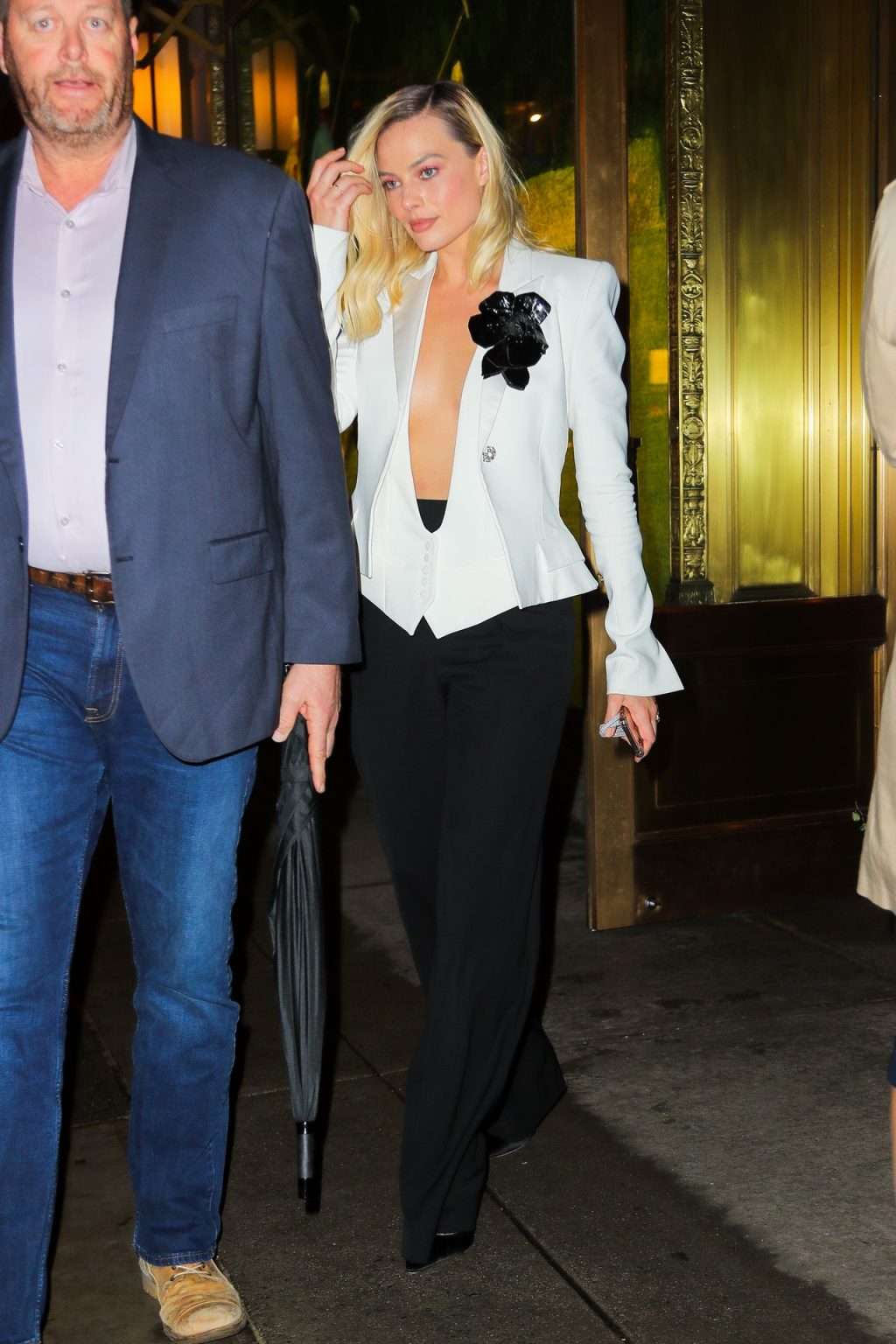 Margot Robbie Shows Off Ample Cleavage Leaving The Polo Bar in New York (34 Photos)