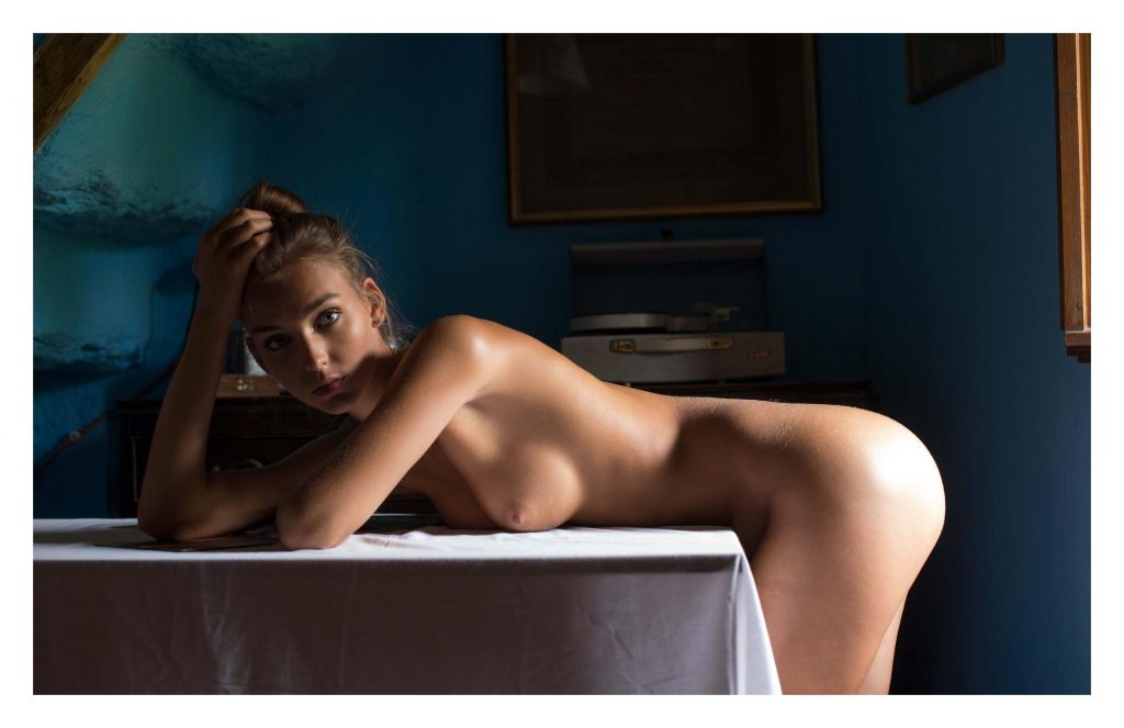 Rachel Cook Nude – Nirvana Magazine (5 Photos)