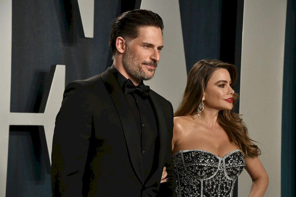Sofia Vergara Displays Her Famous Curves at the 2020 Vanity Fair Oscar Party (17 Photos)