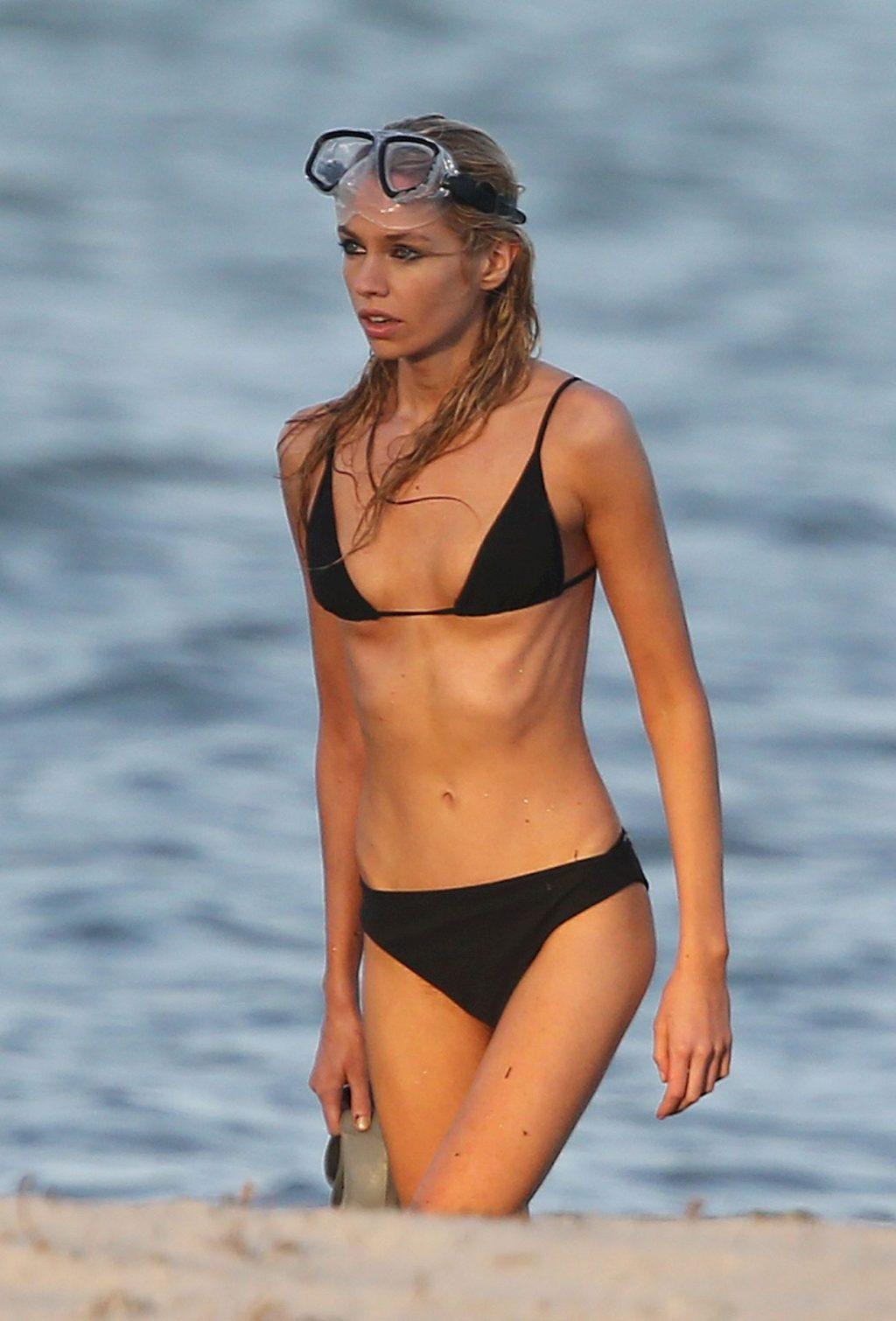 Stella Maxwell Wears a Black String Bikini During a Photoshoot in Miami (48 Photos)