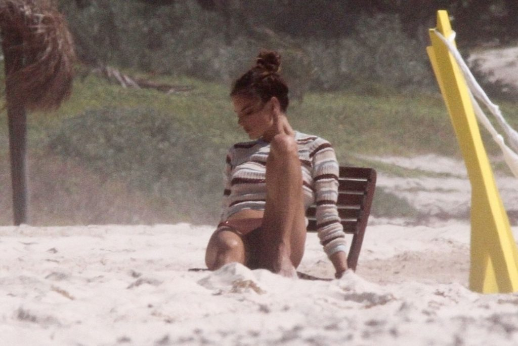 Alessandra Ambrosio Poses in a New Photoshoot on the beach in Mexico (32 Photos)