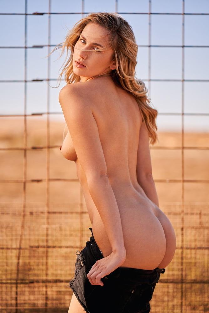 Jessica Witmann Nude (14 Photos)