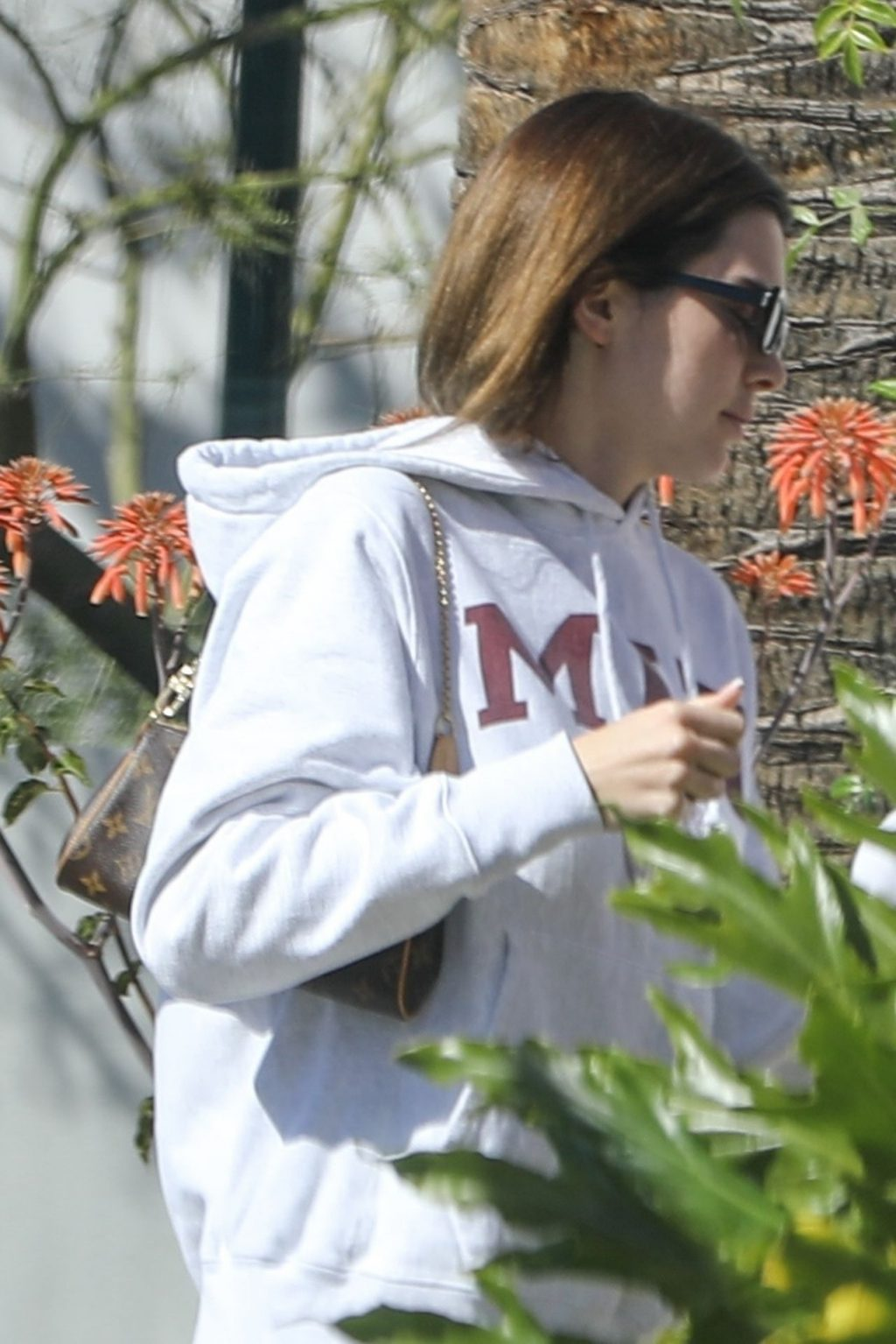 Kendall Jenner Visits a Hair Salon in West Hollywood (29 Photos)