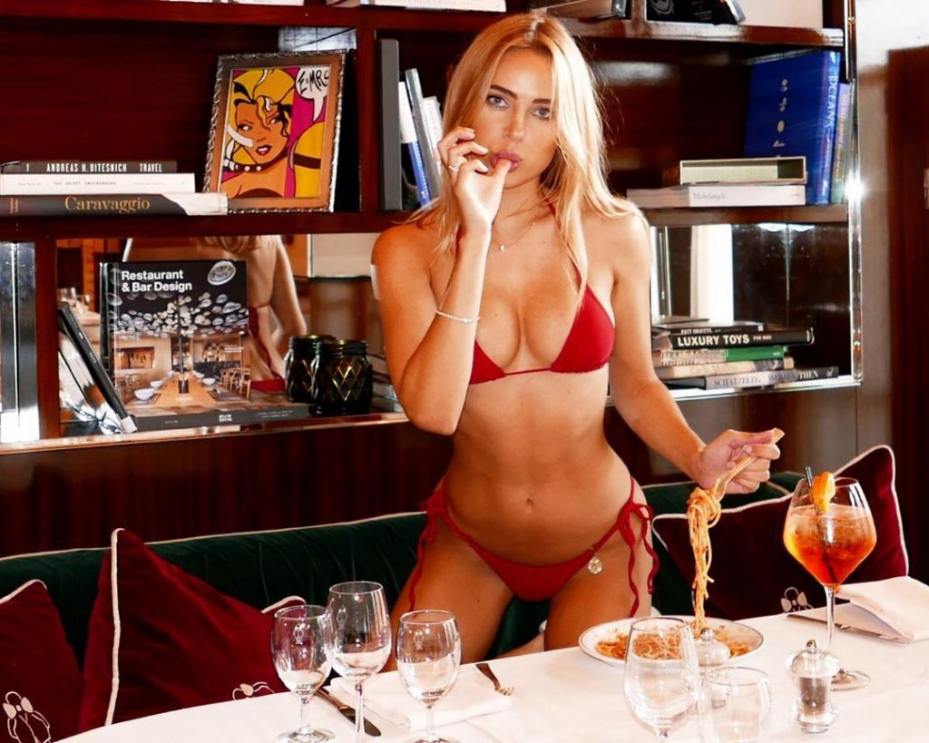Kimberley Garner Sexy (83 Sexy Photos)