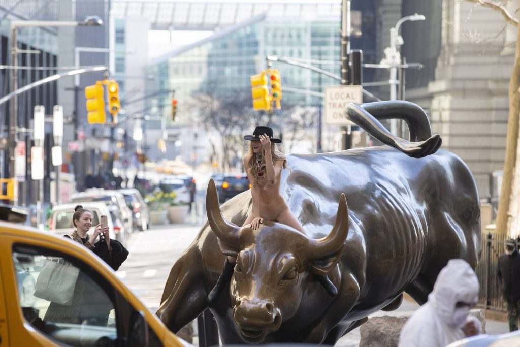 Nude Woman Ignores Coronavirus Warnings to Straddle Charging Bull (14 Photos)