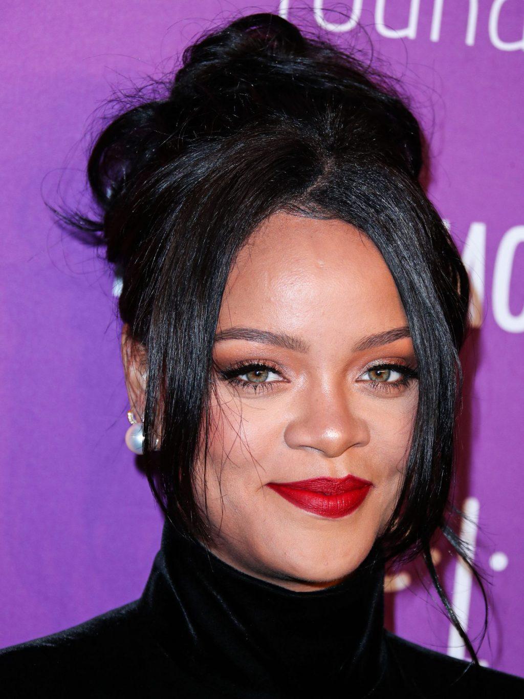 Rihanna's Charity Donates $5 Million for Global Coronavirus COVID-19 Pandemic Relief (25 Photos)