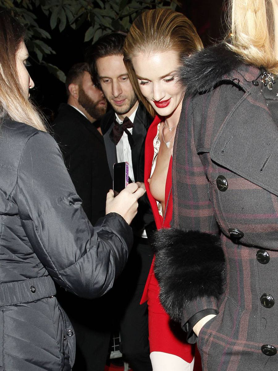 Rosie Huntington-Whiteley's Tit Flash in London (12 Photos)