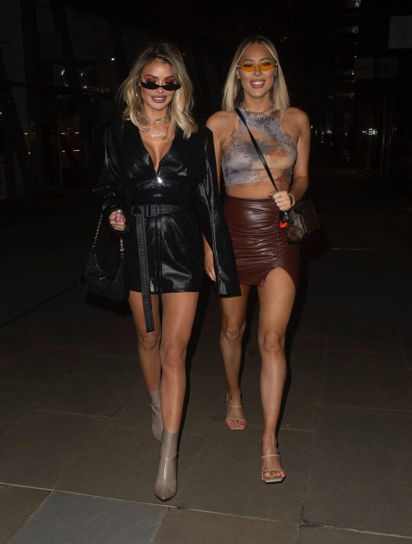 Sisters Demi & Chloe Sims Enjoy a Night in London (18 Photos)