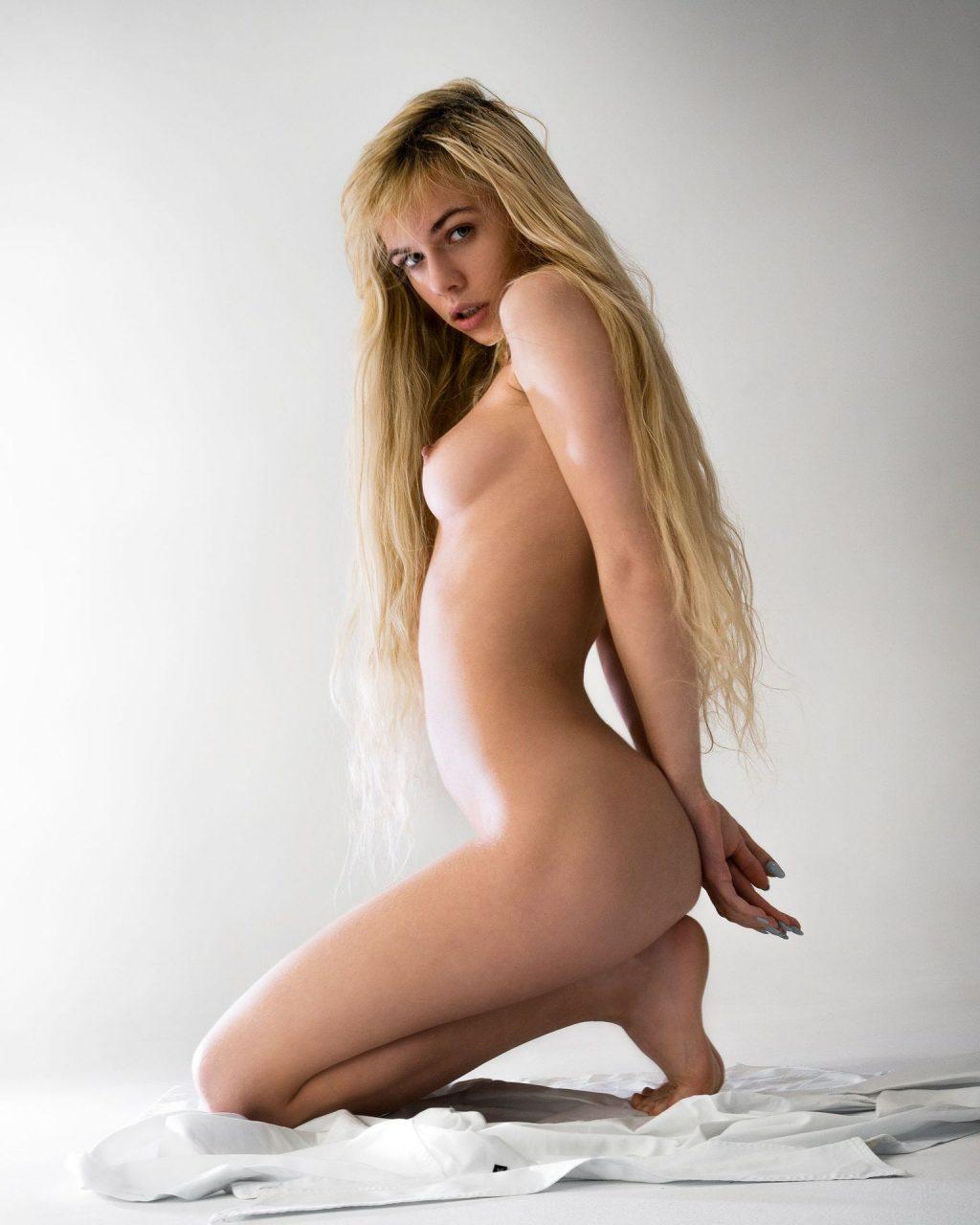 Alexandra Smelova Nude (29 Photos)