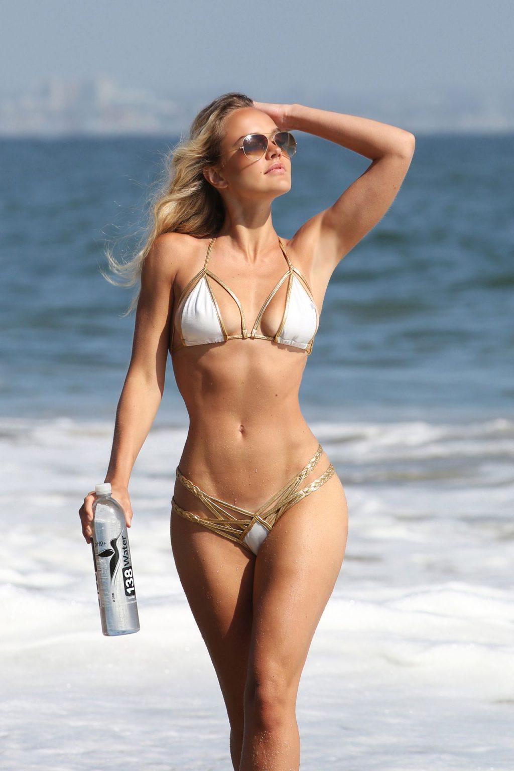 Dasha Inyutkina Shows Off Her Sexy Beach Body In a Bikini (38 Photos)