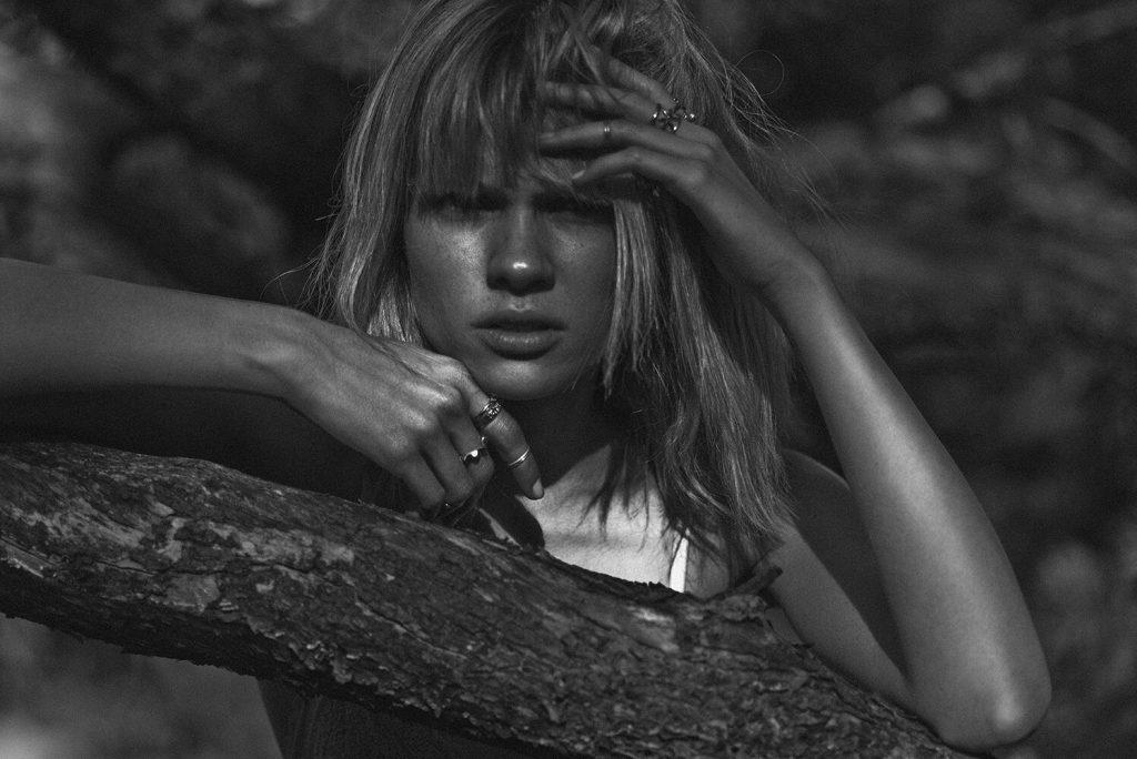 Eva Biechy Nude (10 Photos)