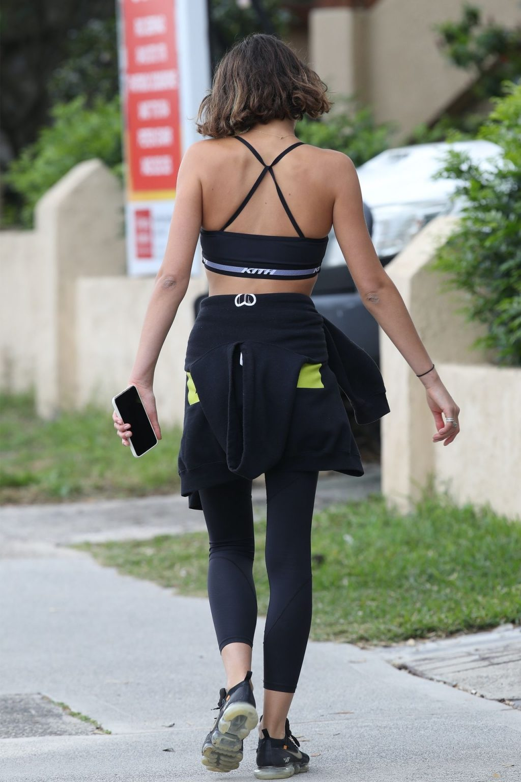 Georgia Fowler Shows Off Her Abs on a Morning Walk in Bondi (37 Photos)