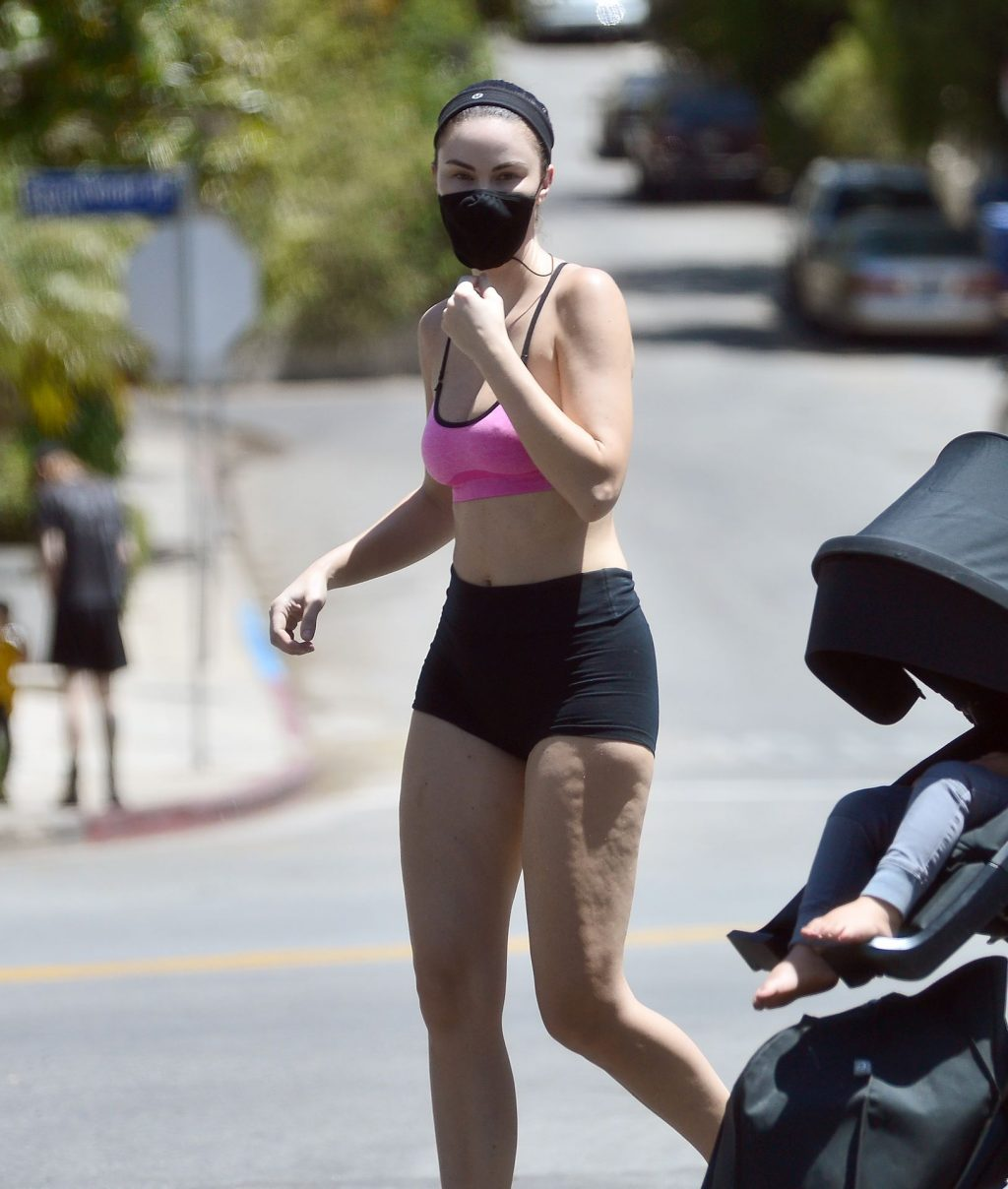 Jayde Nicole Enjoys a Hike in the Hollywood Hills (19 Photos)