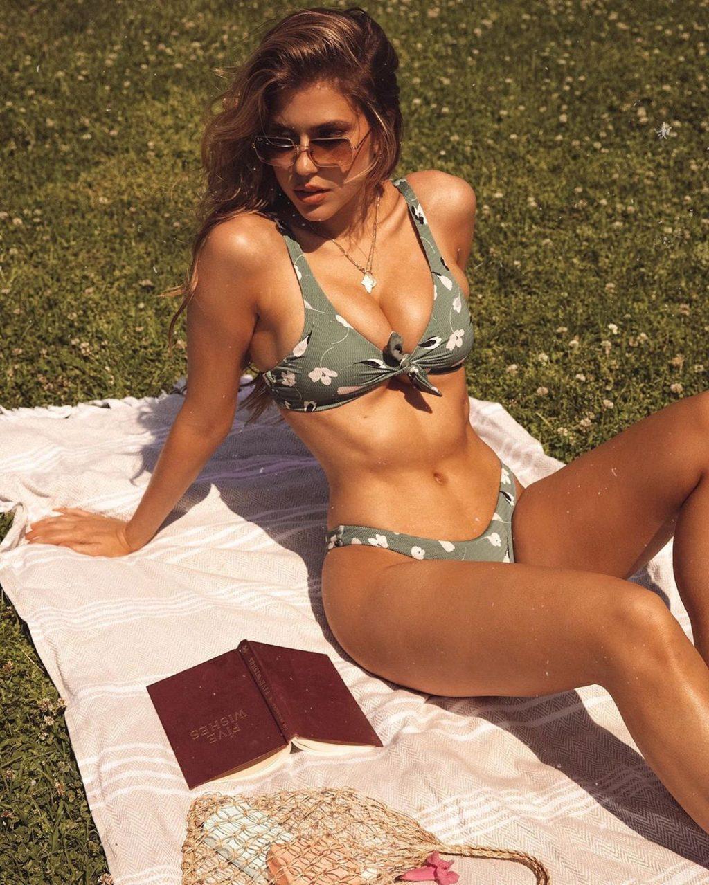 Kara Del Toro Sexy (11 Photos)
