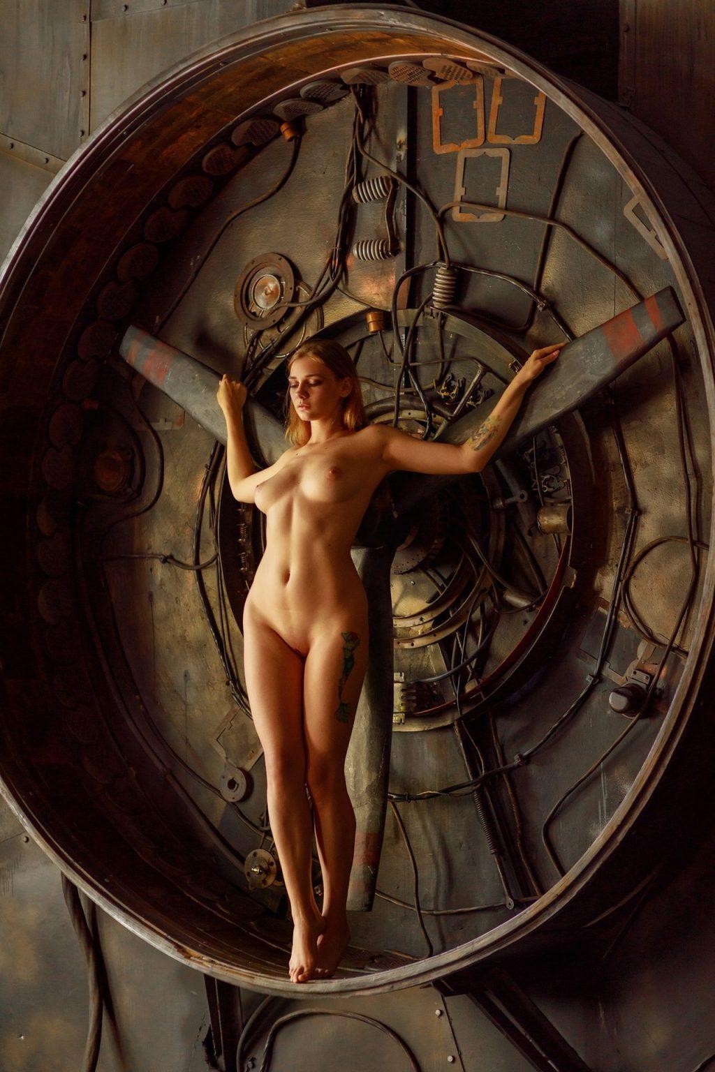 Natalia Tihomirova Nude & Sexy (31 Photos)