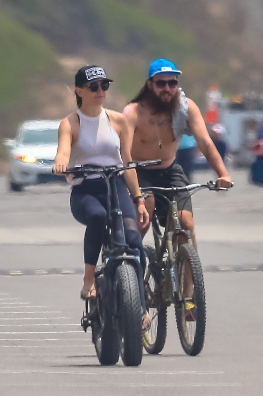 Kate Hudson Shows Her Pokies While Riding a Bike in Malibu (41 Photos)