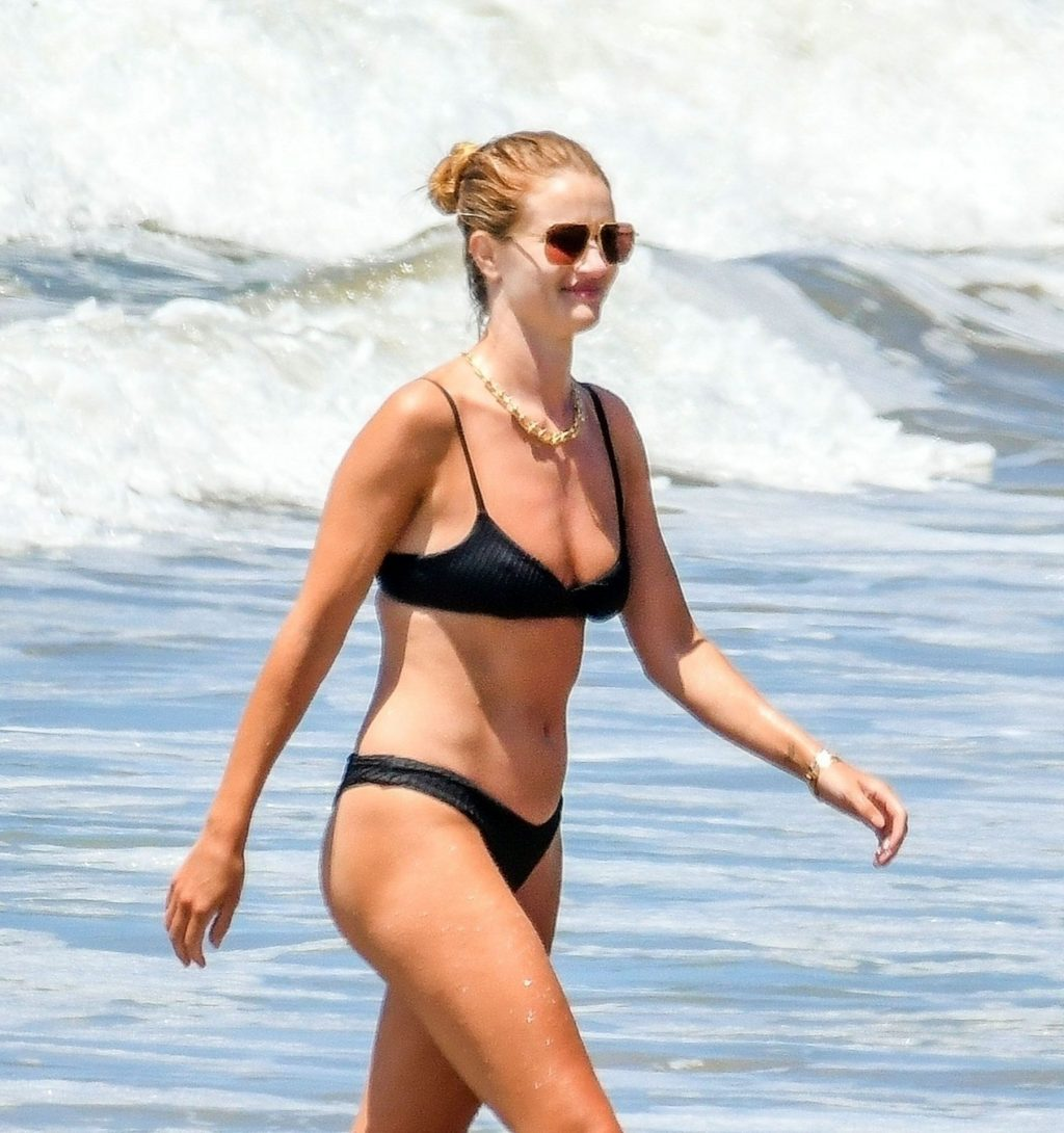 Rosie Huntington-Whiteley Shows Off Her Sexy Figure on the Beach in Malibu (34 Photos)