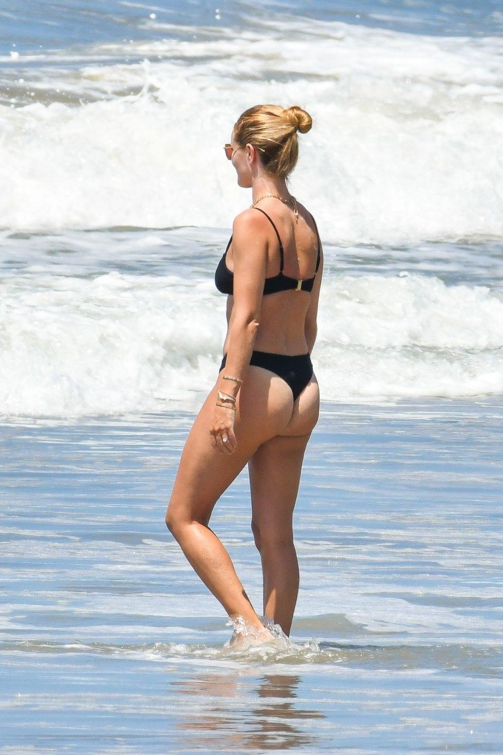 Rosie Huntington-Whiteley & Jason Statham Enjoy a Day on the Beach (70 Photos)