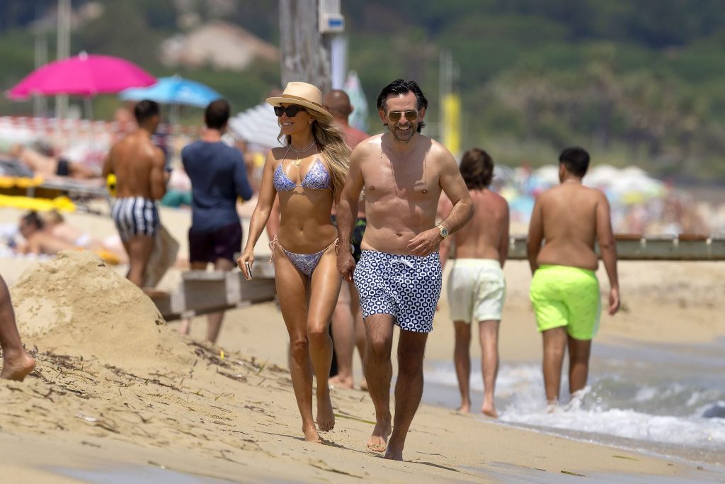Sylvie Meis & Her Future Husband Enjoy Their Vacation in Saint Tropez (44 Photos)