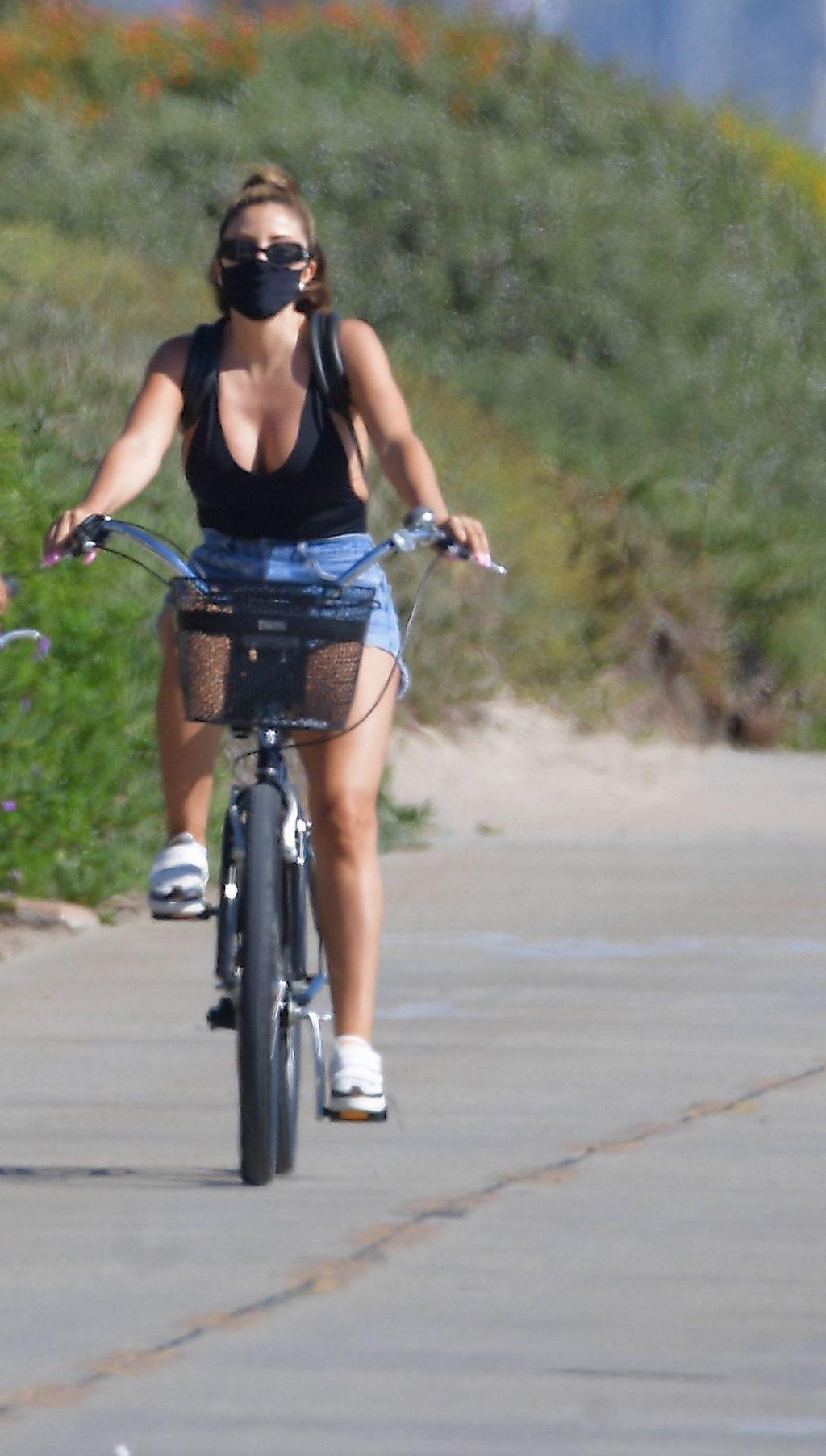 Larsa Pippen Puts On A Busty Display As She Rides Bikes In Manhattan Beach (14 Photos)